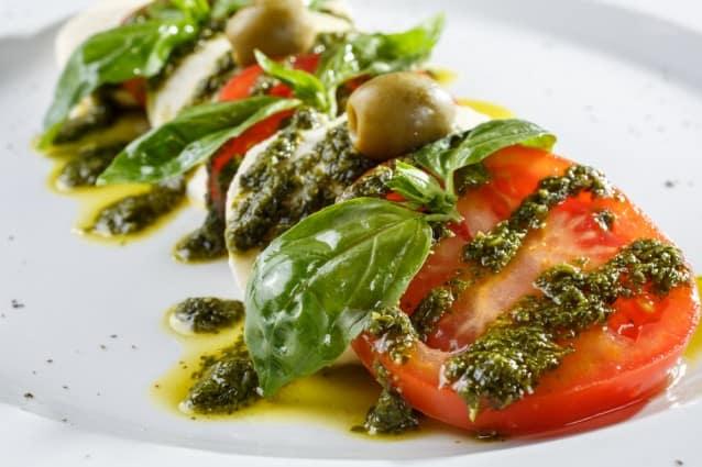 Quick Caprese Salad | Blender Recipes